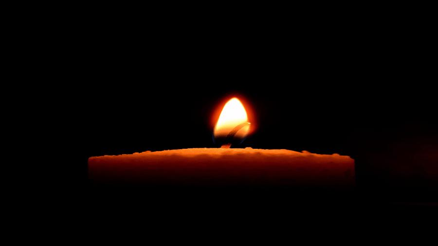 Candle Light In Dark 900x506