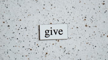Give 356x200