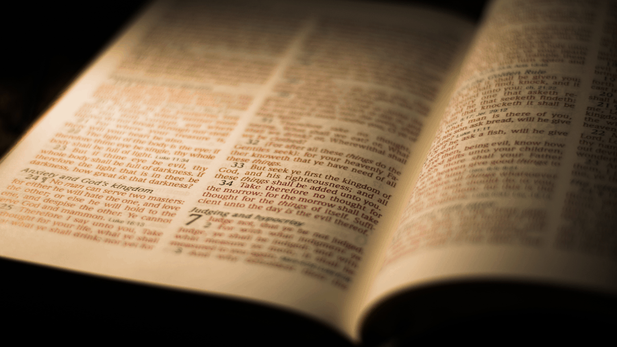 Bible Opened To Matthew Ch 7 Red Verses 900x506