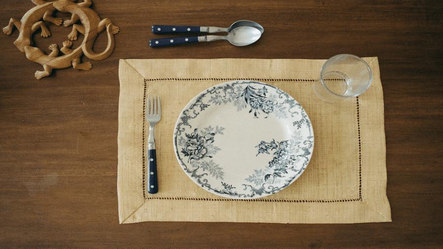 Empty Plate 900x506