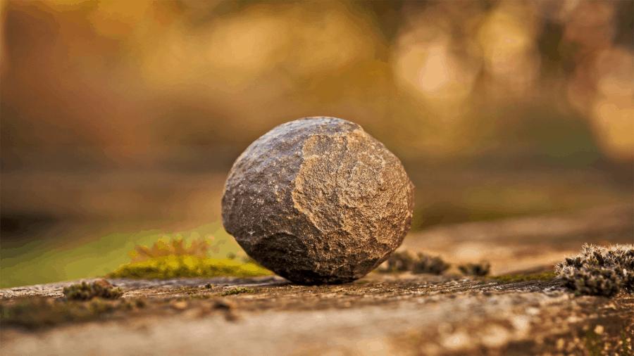 Round Stone Rock 900x506